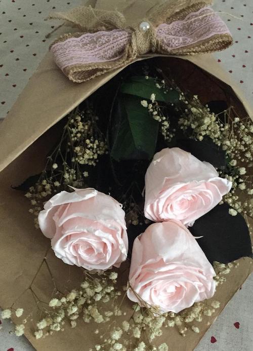 ramo preservado de rosas rosas