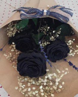 ramo de rosas preservadas negras