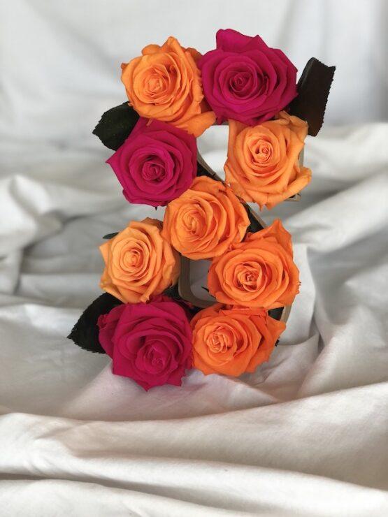 flores con rosas preservadas