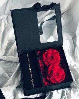 caja regalo con rosas