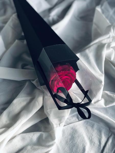 caja de rosas individual